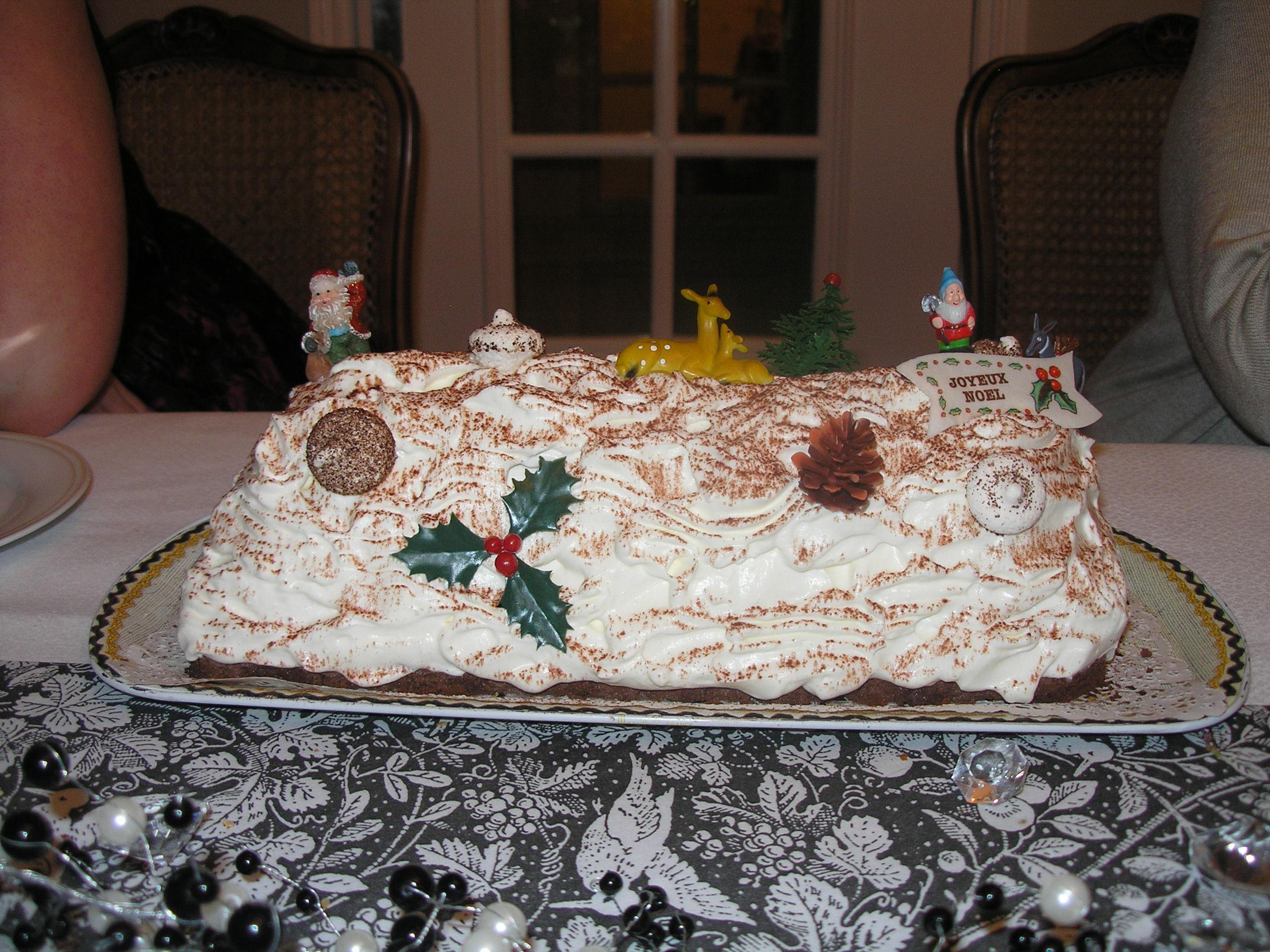 Buche de no l au chocolat et l 39 orange a l 39 heure des r ves - Decorer une buche de noel ...